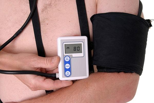 از هولتر مانیتورینگ فشار خون در چه مواردی  استفاده می شود؟
