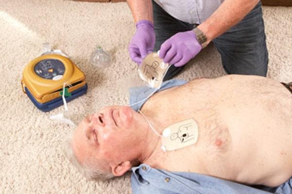 راهنمای استفاده از الکتروشوک قلب