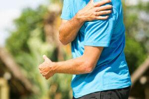 علت تیر کشیدن بازوی چپ