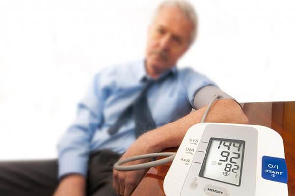 فشار خون بالا چند است